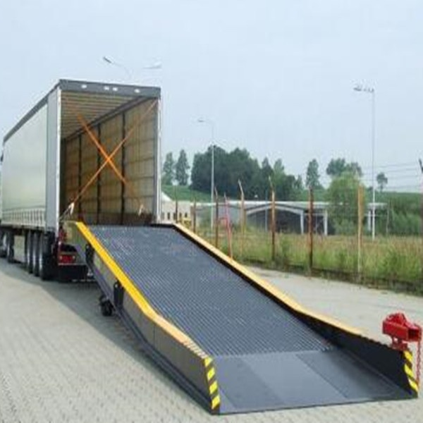 loading ramp for containers